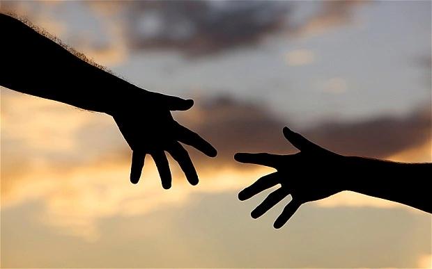 HELPING-HAND_2902926b